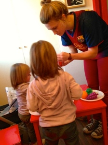 On the job with Anna's little girls: Joanita y Claudia