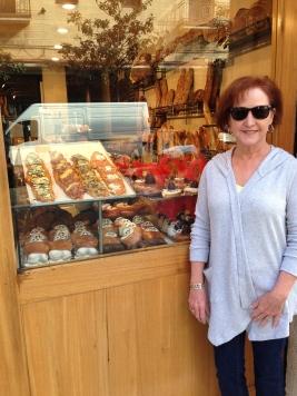 My cute mama at Boldú (Gracia)